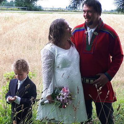 brudepar-bryllup-snefugl-gård